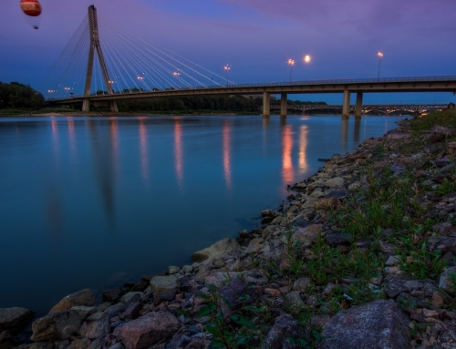 The Swietokrzyski Bridge (evening shot)