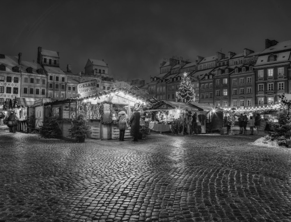Christmas Market in B&W and new wallpaper
