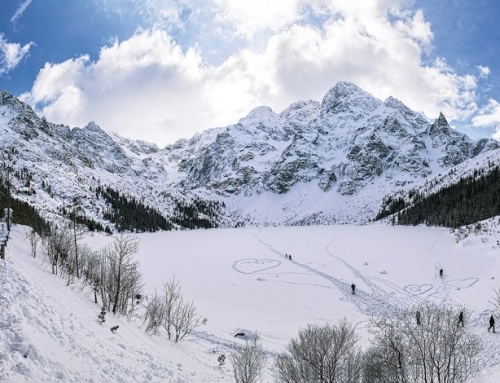 Morskie Oko lake in Winter