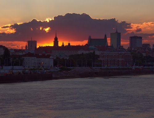 Before/after comparison: sunset in Warsaw