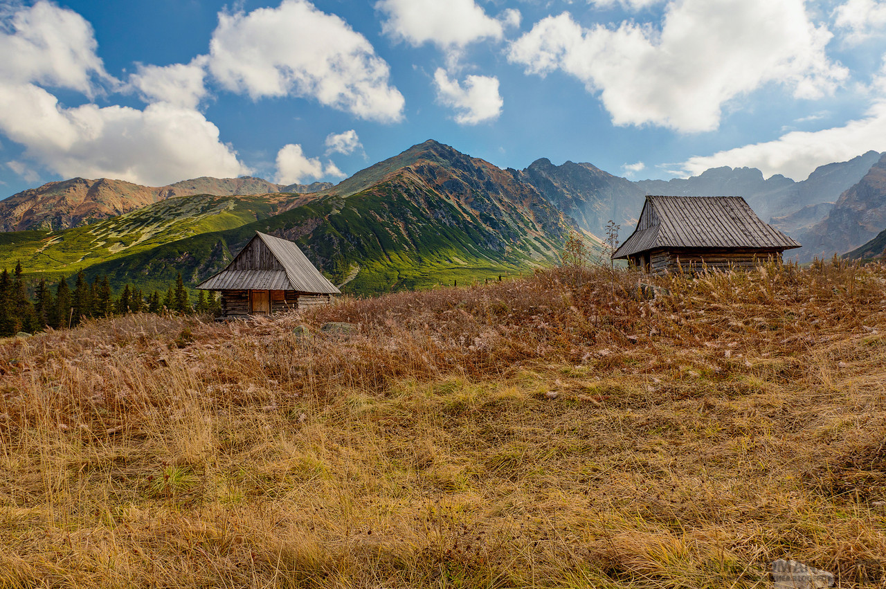 Mountain huts in Hala Gąsienicowa